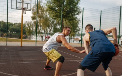 Το μπάσκετ στο γηπεδάκι της γειτονιάς